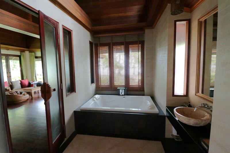 Chivapuri bathroom style